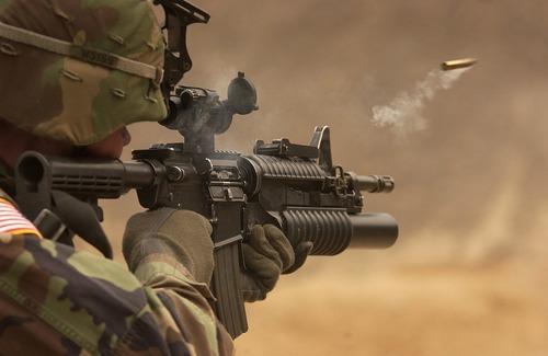 submachine-gun-62902_960_720.jpg